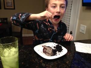 Oreo Cream Cake gray eating