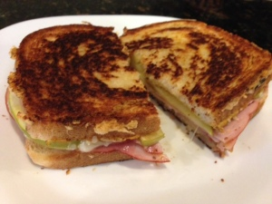 ham apple gruyere grilled cheese